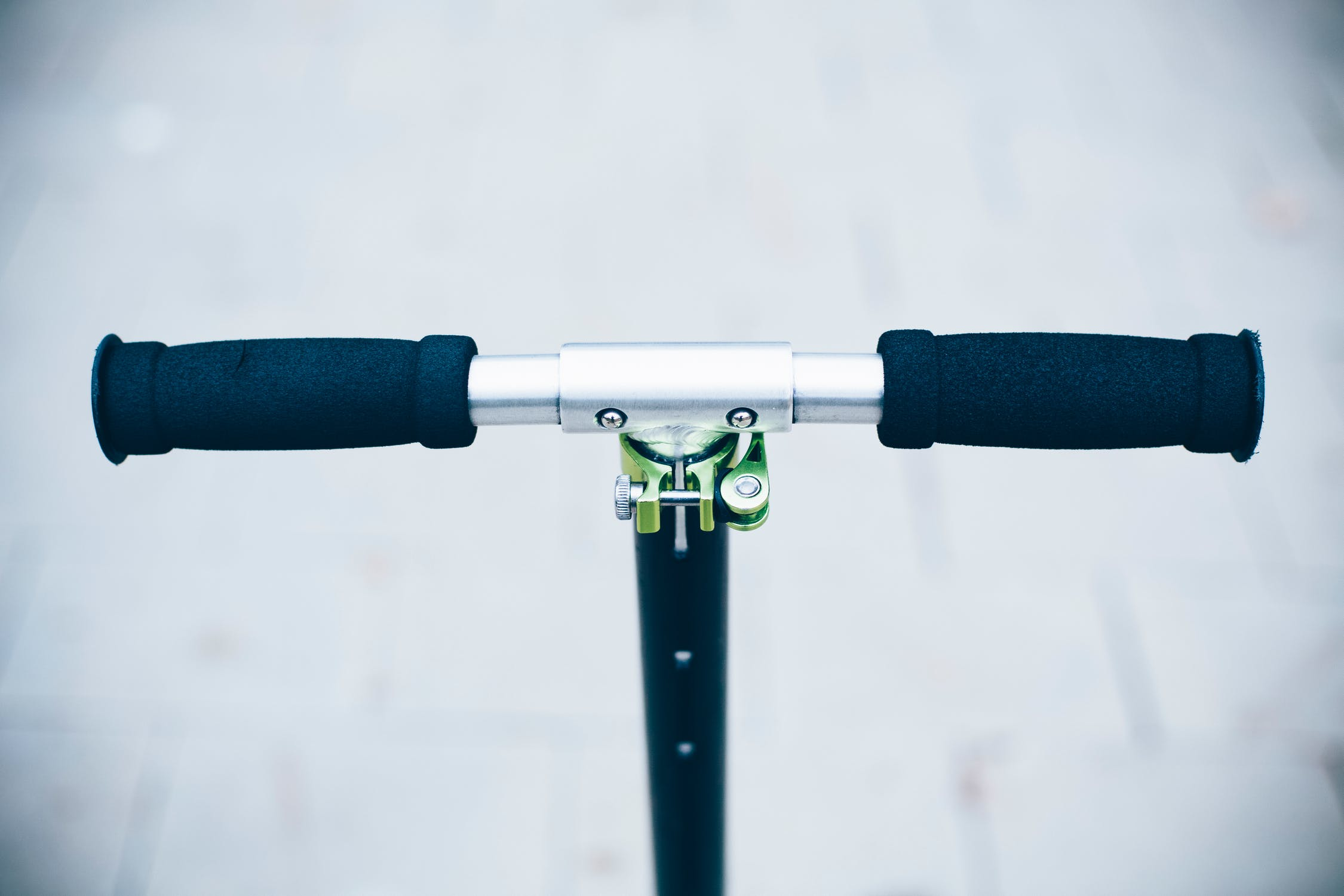 Helping Riders Stay Safe with Antibacterial E-Scooter Grip